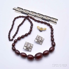 Four Pieces of Assorted Jewelry