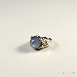 18kt White Gold and Star Sapphire Ring