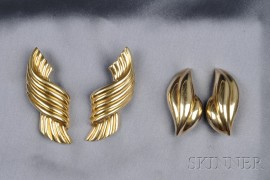 Two Pairs of 18kt and 14kt Gold Earclips