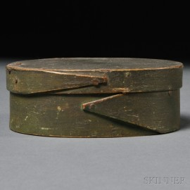 Small Green-painted Oval Covered Lapped-seam Storage Box
