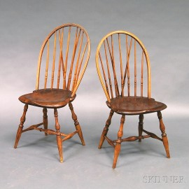 Pair of Braced Bow-back Windsor Side Chairs