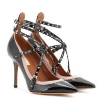 Valentino Pumps Love Latch aus Lackleder