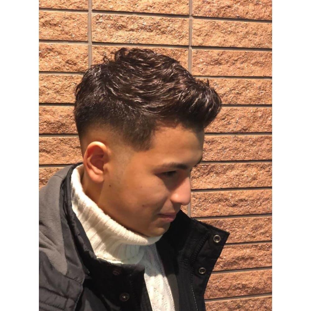 ポンパドール 髪型 メンズ ショート