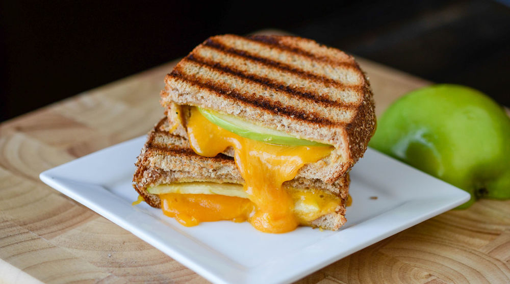 Grilled Apple and Cheese Sandwiches