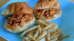 Slow Cooker Spicy Peach Chicken Sliders - Lunch Version