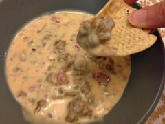 Instant Pot Rotel Queso Dip