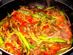 Sweet-n-Spicy Beef and Noodles