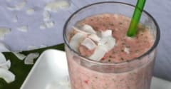 Paleo Strawberry Kale Coconut Smoothie