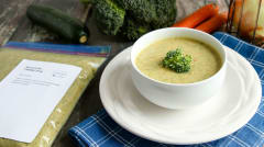 Broccoli No-Cheddar Soup - Lunch Version