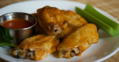 Paleo Buffalo Chicken Wings – Lunch Version