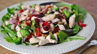 Better Than the Freezer Aisle: Lean Cuisine Copycat Cranberry Pecan Chicken Salad Topper