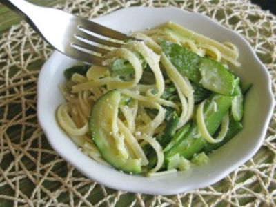 Parmesan Linguine with Asparagus, Zucchini and Snap Peas