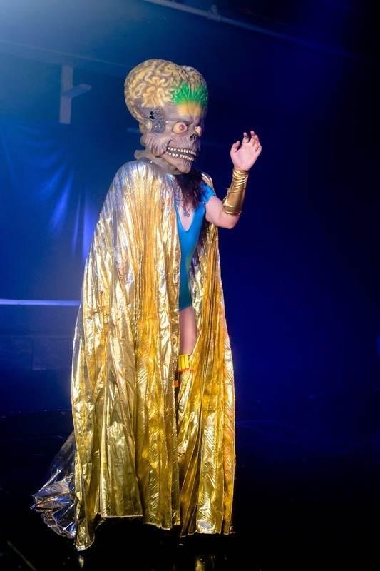 A Burlesque Nightmare Before Christmas, A Tribute to Tim Burton ...