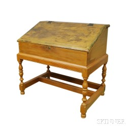 Yellow-painted Desk-on-stand