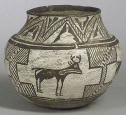 Southwest Native American Zuni Pottery Deer Decorated Olla