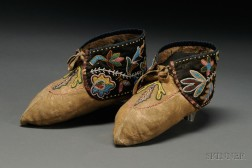 Great Lakes Beaded Cloth and Hide Moccasins