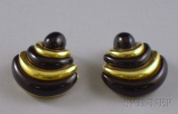 18kt Gold and Onyx Earclips