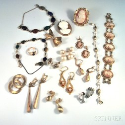 Small Collection of Jewelry