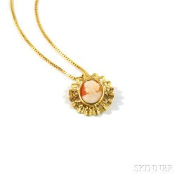 Gold-framed Shell-carved Cameo Pendant/Brooch on 18kt Gold Chain