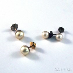 Two Pairs of Pearl Earstuds