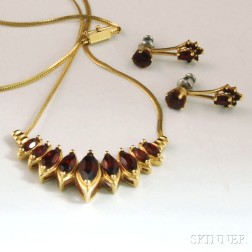 Two Pieces of 14kt Gold and Garnet Jewelry