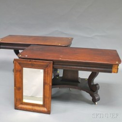 Late Federal-style Mahogany Single-pedestal Dining Table