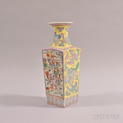 Four-sided Famille Jaune Rouleau Vase