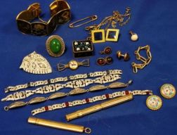 Small Group of Costume Jewelry and Accessories