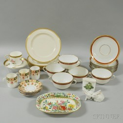 Thirty-one Pieces of Miscellaneous Porcelain