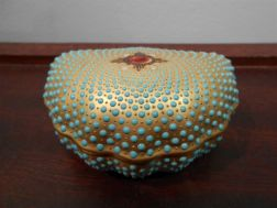 Jeweled Coalport Porcelain Shell-shaped Box and Cover