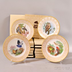 Fourteen Boxed Boehm Porcelain Bird Plates.     Estimate $20-30