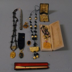 Small Group of Miscellaneous Jewelry
