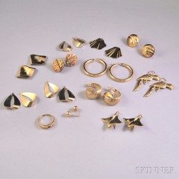 Assorted Group of Gold Jewelry