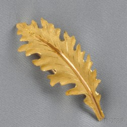 "18kt Gold ""Oak Leaf"" Brooch, Buccellati"