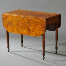 Classical Tiger Maple Drop-leaf Table