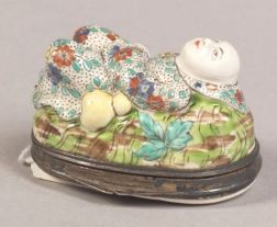 French Porcelain Japonesque Snuff Box