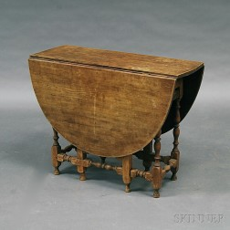 William and Mary-style Maple Gate-leg Drop-leaf Table
