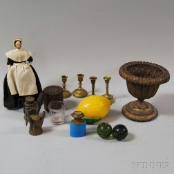 Group of Miscellaneous Decorative Objects