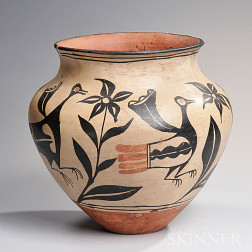 Santo Domingo Polychrome Pottery Jar