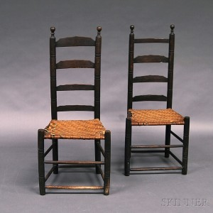 Charmant Pair Of Black Painted Ladder Back Side Chairs