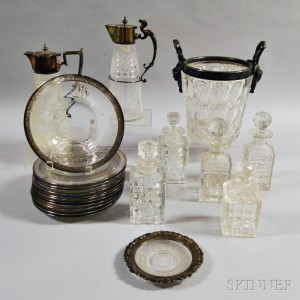 Twenty-one Pieces of Colorless Glass Tableware