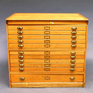 Nice Oak Eleven Drawer File Cabinet