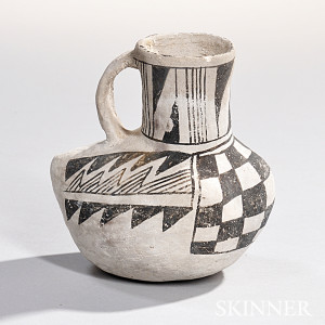 Anasazi Black-on-white Bird Effigy Vessel