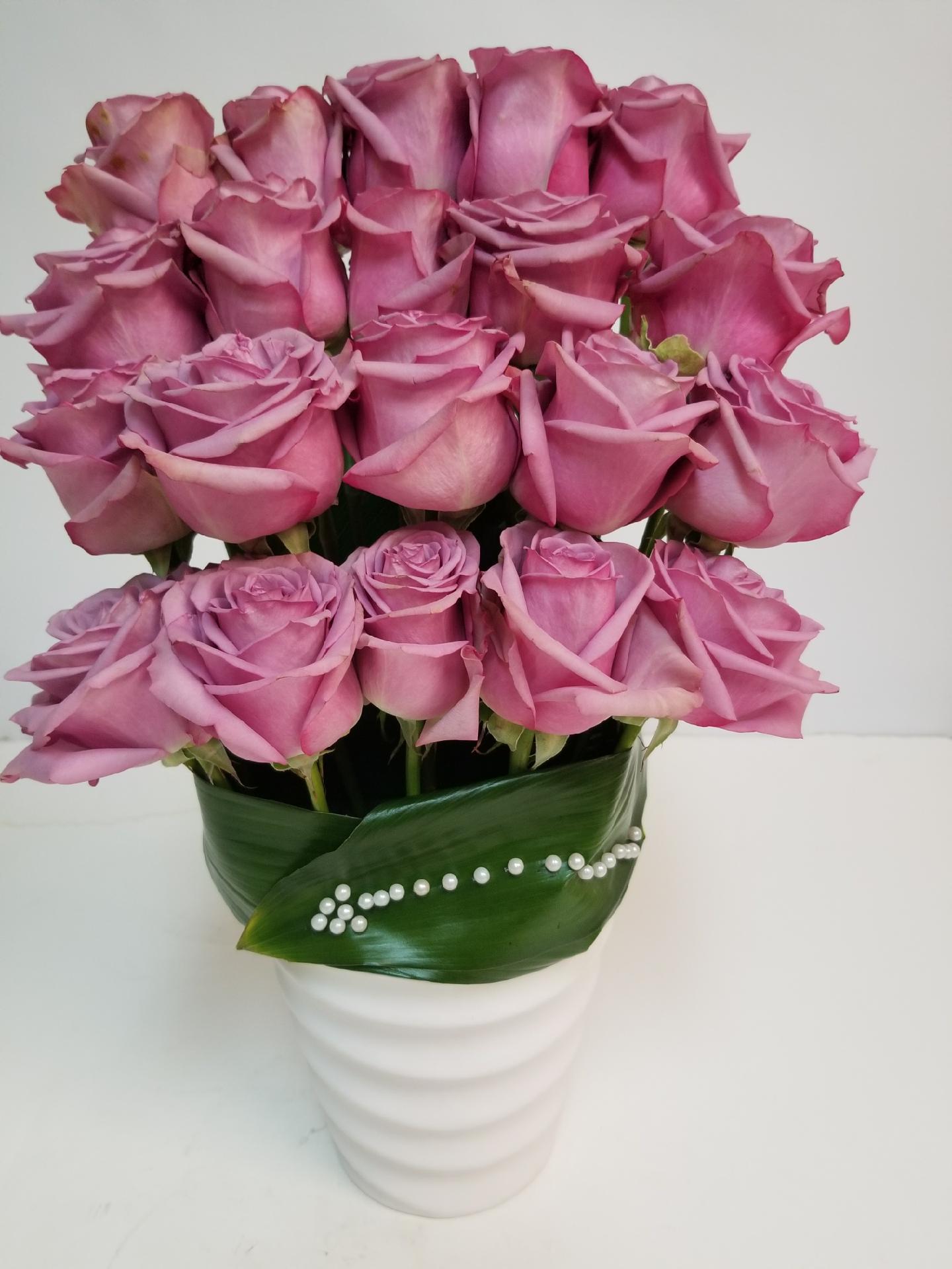 24 roses in modern vase miami fl florist reviewsmspy