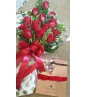 1 Doz Wrapped Long Stem Red Roses