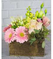 Fleur de Lys Floral Artisan Arrangement 19