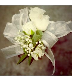 Simple but beautiful spray white Rose Wrist Corsage