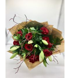 Beautiful Rose/Lily Bouquet