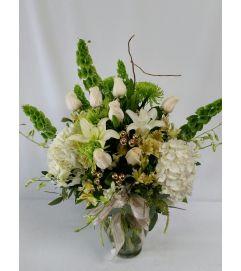 Elegant Christmas Bouquet