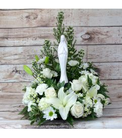 Madonna Tabletop Wreath